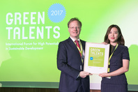 General Director Matthias Graf von Kielmansegg and Green Talent Sea Jin Kim