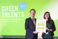 General Director Matthias Graf von Kielmansegg and Green Talent Ellin Lede