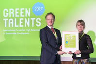 General Director Matthias Graf von Kielmansegg and Green Talent Megan Lukas