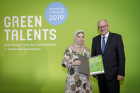 Parliamentary State Secretary Dr Michael Meister and Green Talent Manar Abdalrazeq