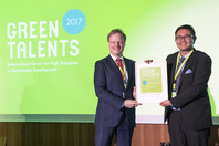 General Director Matthias Graf von Kielmansegg and Green Talent Gian Powell Marquez