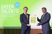 General Director Matthias Graf von Kielmansegg and Green Talent Kashif Rasool
