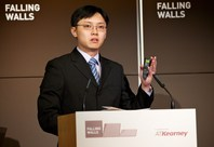 Victor Sim presenting on Breaking the Wall of Wasted Water at the Falling Walls Lab 2013