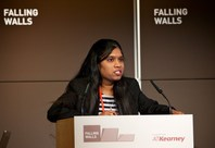 Komalirani Yenneti presenting in how to break the Wall of Energy Transition at the Falling Walls Lab 2013